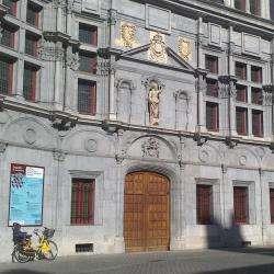 Ancien Palais Du Parlement