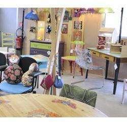 Bazar et déstockage Atelier d'Eco Solidaire - 1 -