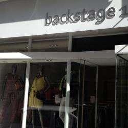Backstage 17