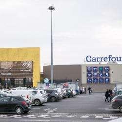 Carrefour Location Ménétrol