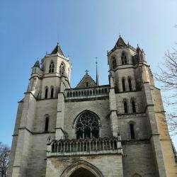 Lieux de culte Cathédrale Saint-Bénigne - 1 -