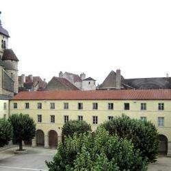 Collège De L'arc Dole