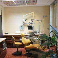 Dentiste DARMOUNI JOSE - 1 -