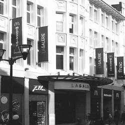 Centres commerciaux et grands magasins fnac - 1 -