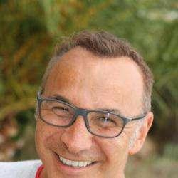 Dr. Amoyel Franck