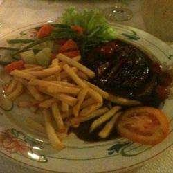 Helios Restaurant Saint Denis