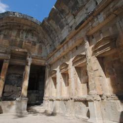 Le Temple De Diane Nîmes