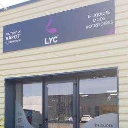 Tabac et cigarette électronique Lyc Vape Pineuilh - 1 - Devanture De La Boutique D'e-cigs Et Recharges Liquides Lyc De Pineuilh -