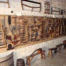 Musée Musée de la vigne et du vieux pressoir - 1 - Crédit Photo : © Musée De La Vigne Et Du Vieux Pressoir, Depuis Le Site Internet De L'ot D'auxerre -