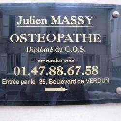 Ostéopathe Julien MASSY - 1 - Ostéopathe Courbevoie   Plaque D'entrée -