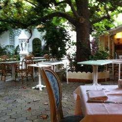 Hôtel et autre hébergement Hôtel-Restaurant Le u Magnolia - 1 -