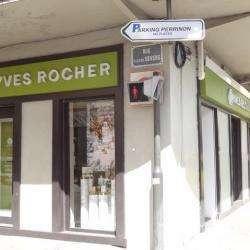 Parfumerie et produit de beauté Yves Rocher - 1 -