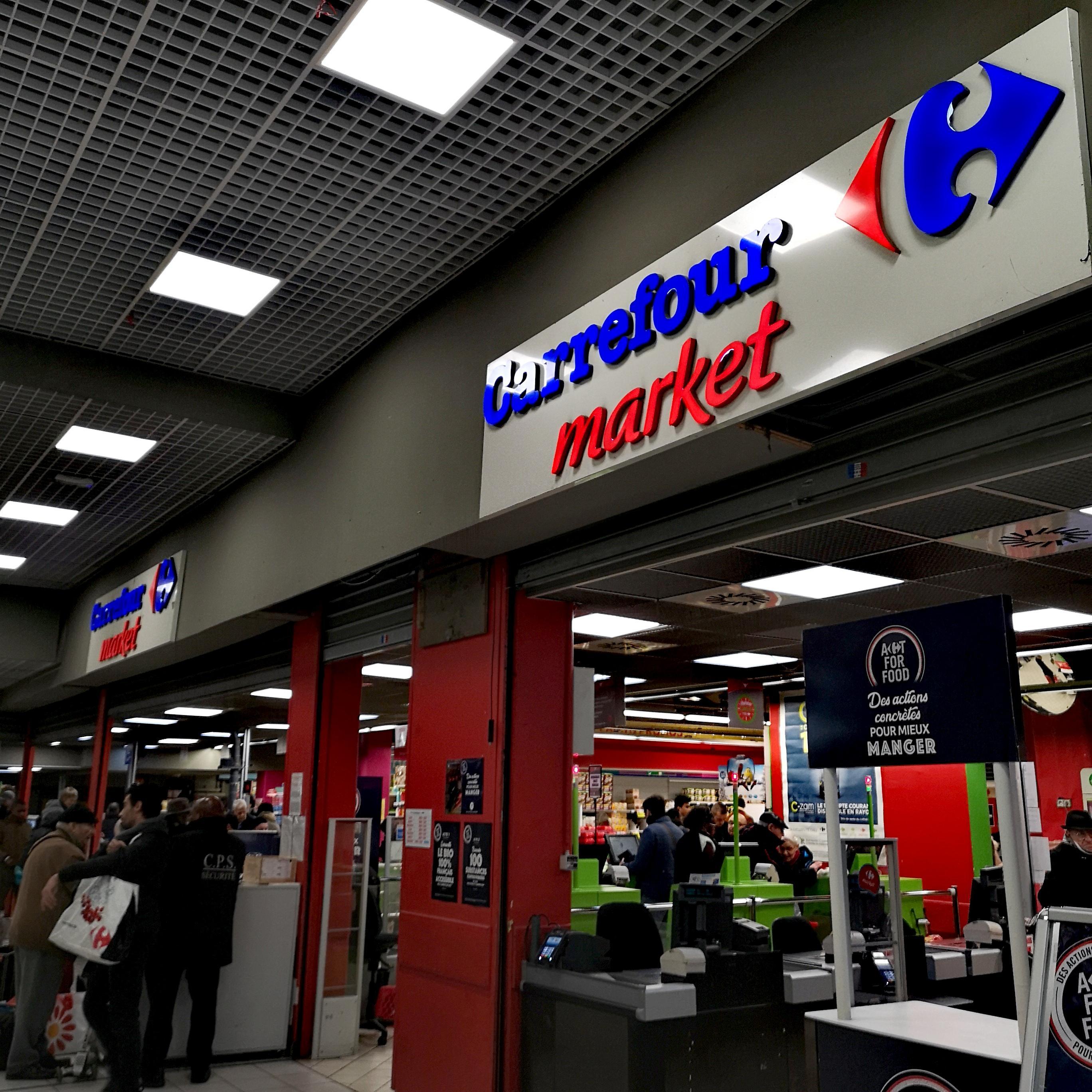 Carrefour Paris