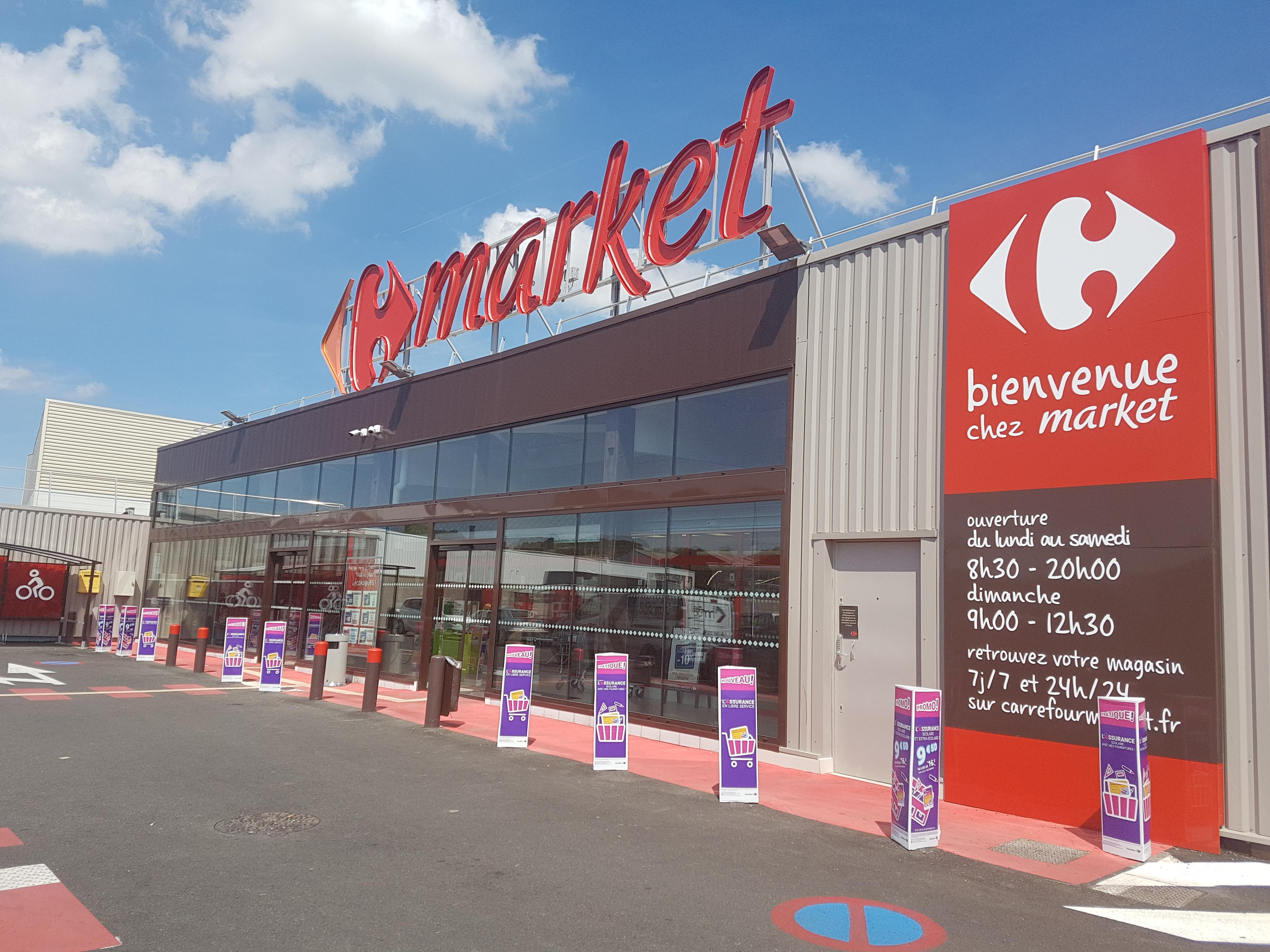 Carrefour Rives