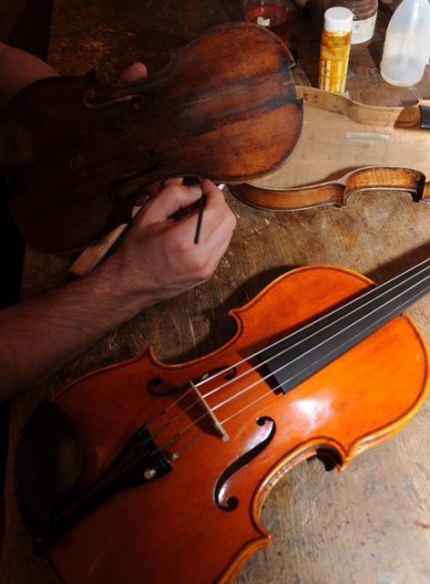 Eric Suard Luthier Archetier Paris