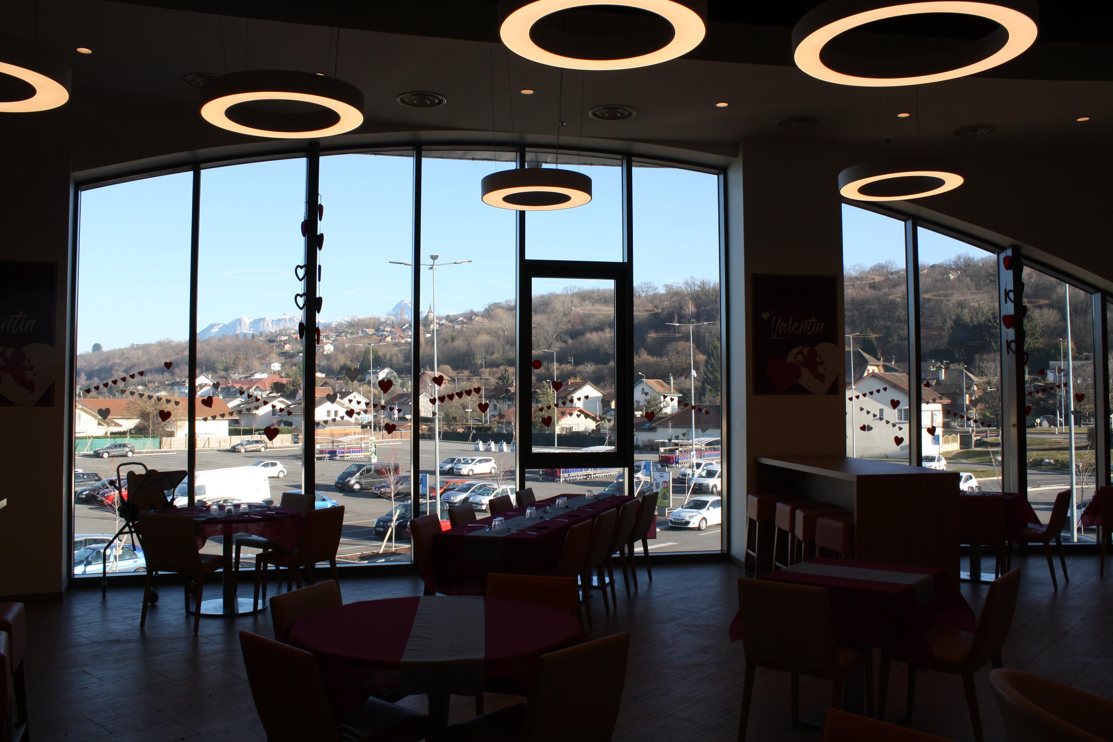 La Table Cora Cafeteria Publier
