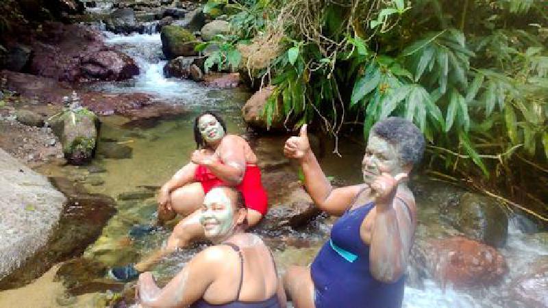 Revi Myreviholidays, Natural Spa & Excursions Le Carbet