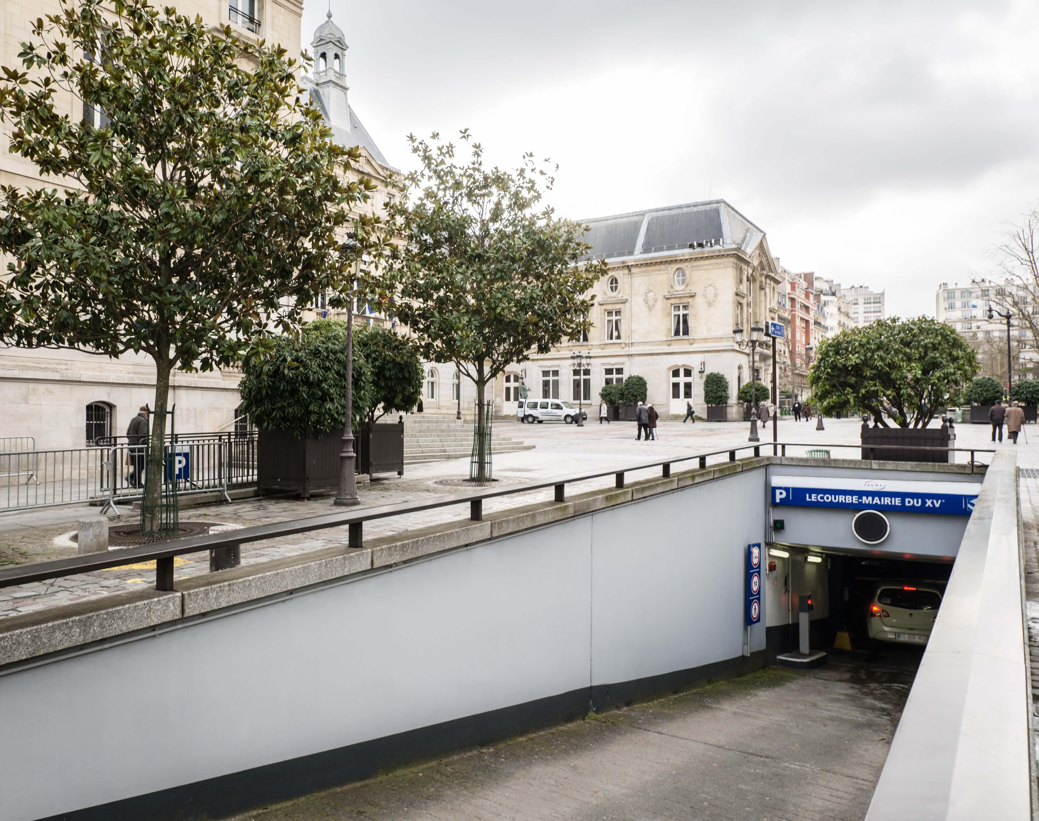 Saemes Parking Mairie Du 15ème - Lecourbe Paris