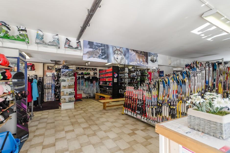 Skimium - Planete Sports - Location De Ski Les Rousses Prémanon