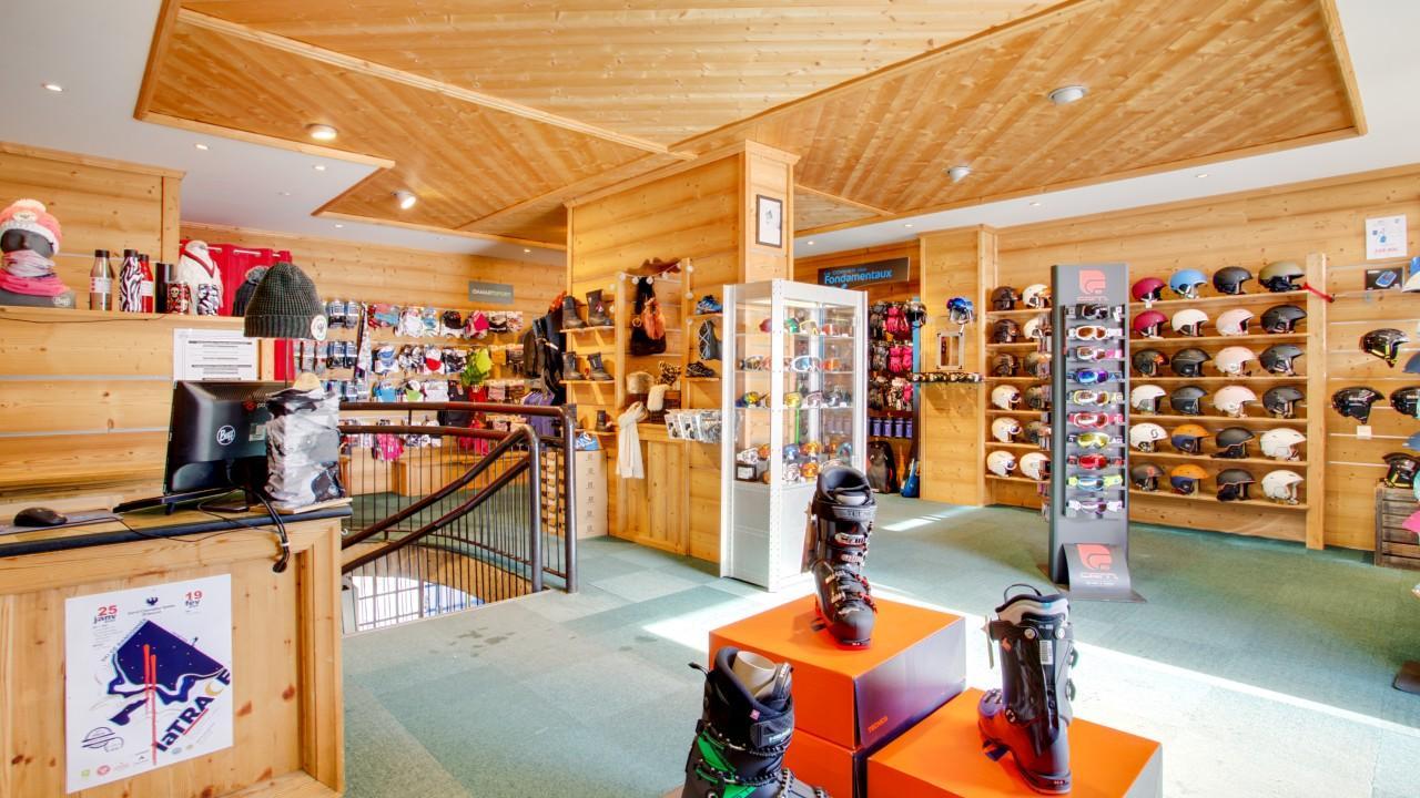 Skimium - Riquet Sport Aravet - Location Ski Serre Chevalier Villeneuve La Salle Les Alpes