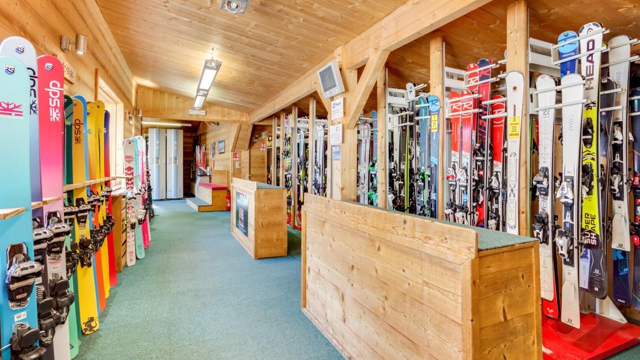 Skimium - Riquet Sport Village - Location Ski Serre Chevalier Villeneuve La Salle Les Alpes
